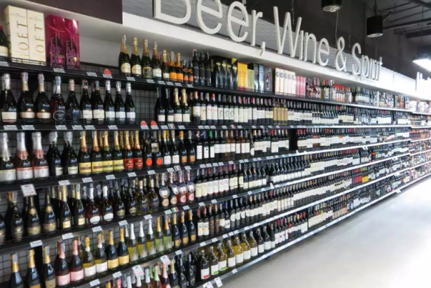 Villa Market wine and beer